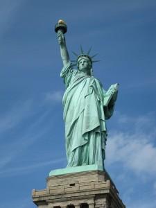 Die berühmte Freiheitsstatue in New York - Liberty Island.