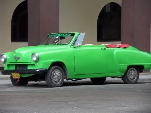 Oldtimer sind auf Kuba ein häufig anzutreffendes Bild.
