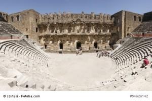 Das alte römische Theater in Aspendos.