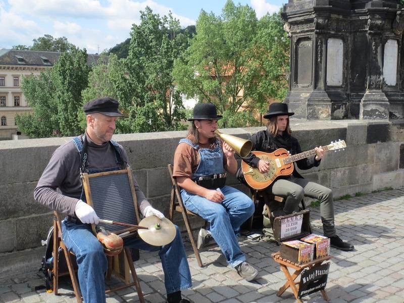 Traditionelle Musik auf der Karlsbrücke.