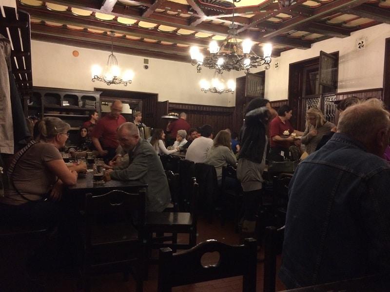 Sehr urig: Die U-Fleku Brauerei in Prag.