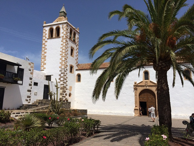 Die Kirche Santa Maria in Betancuria - der alten Inselhauptstadt Fuerteventuras.
