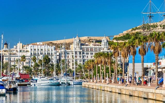 Alicante Urlaub - Sehenswürdigkeiten und Ausflugsziele - © #129503322 Leonid Andronov - fotolia.de
