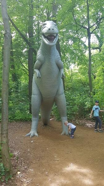 Lebensgroßer Dinosaurier